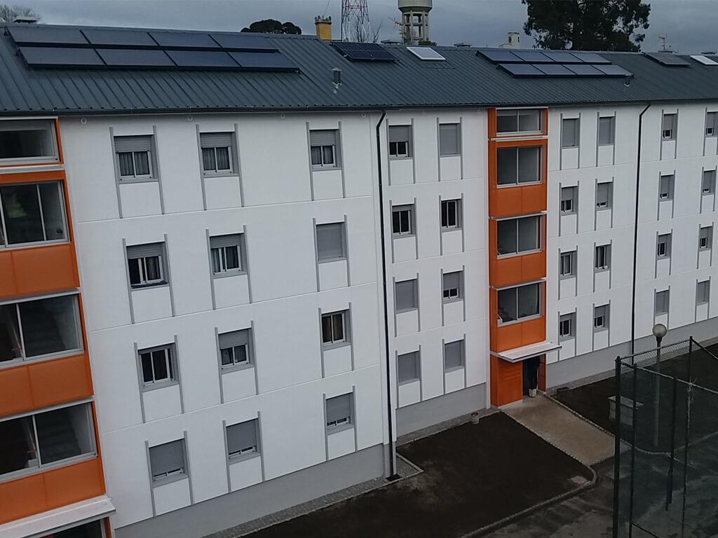 """Reabilitação do """"Envelope"""" do Bloco 7 e infraestruturas de telecomunicações (Itur) no conjunto de habitação pública municipal do Bom Pastor"""