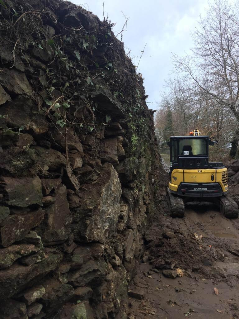 Reparação/Reconstrução e Vedação de Muros